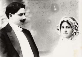 Tomás Morales y Leonor Ramos el día de su boda.jpg